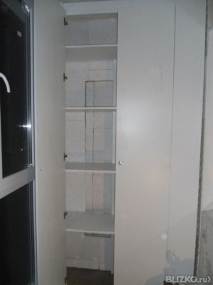Изготовление и установка двустворчатого шкафа из лдсп на бал.