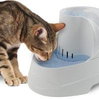 Ферпласт Поилка фонтан для собак и кошек VEGA FONTANELLA
