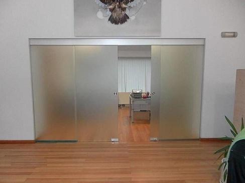 Фото стена межкомнатный с стеклянный антресольный